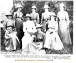 Roberts (back row, left) & Melb District Nurses (Weekly Times 20.7.1907, p25)