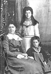 1905 Shearwood girls- Alice, Florence (centre) and Adeline