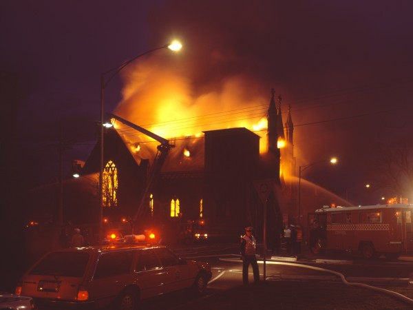 1988 02 Cairns Memorial Church fire