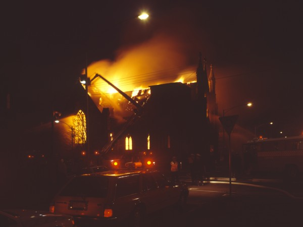 1988 03 Cairns Memorial Church fire