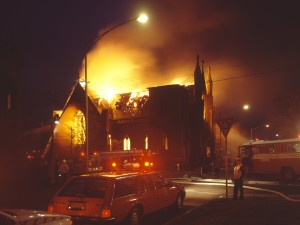 1988 04 Cairns Memorial Church fire