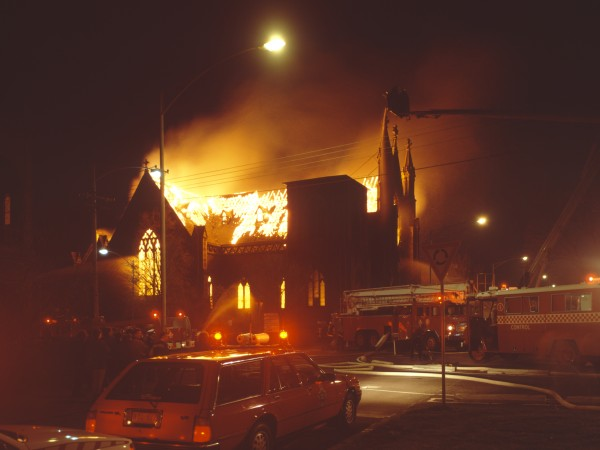 1988 05 Cairns Memorial Church fire