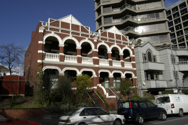 East Melbourne, Clarendon Street, 068-70, Vizard House