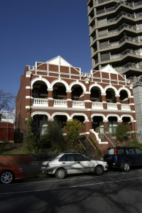 East Melbourne, Clarendon Street, 068-70, Vizard House, 052