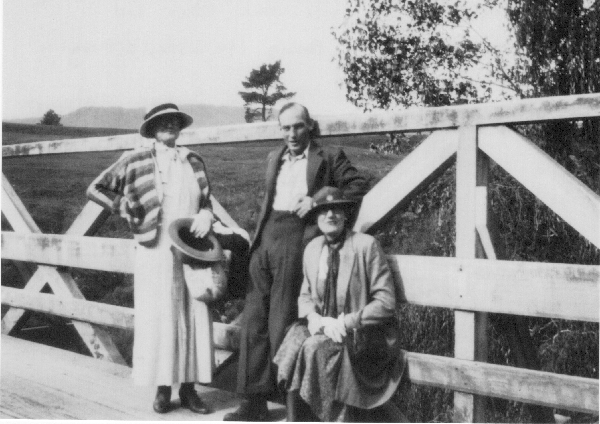 Fannie Munckton, Norman and Edith Miller, NZ, c1930 (family collection)