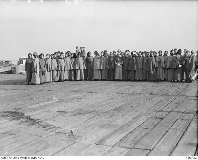 Nurses in McKinnon's group before embarking on the Orsova July 1915 AWM PB0732
