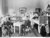 Unidentified nurses and patient Anzac Hostel, Brighton (AWM P03098.004)