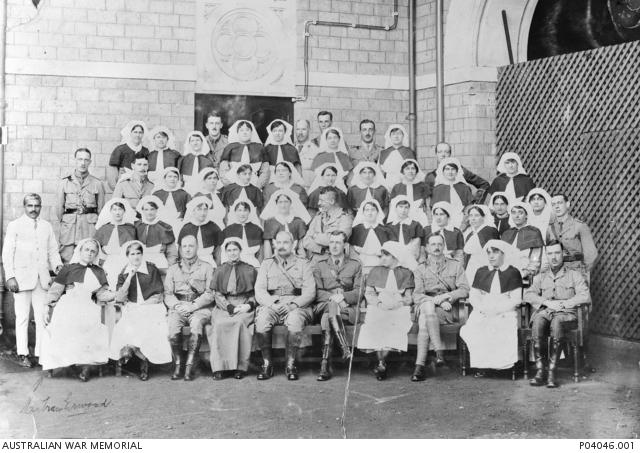Australian Matron and nurses, Colaba War Hospital 1917 (AWM PO4046.001)